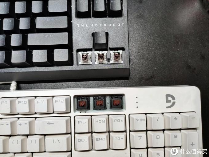 还是没忍住,入手了雷神KL30无线机械键盘