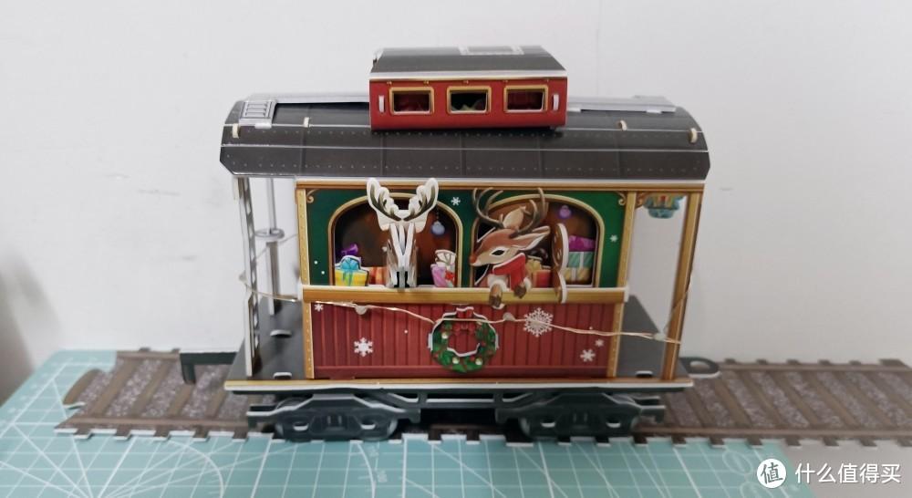 您的圣诞礼物来啦:乐立方圣诞小火车,立体拼图模型还能这样玩,让我很吃惊