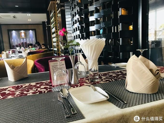 这家开在曼德勒的西餐厅,是土豪最爱包场的地方,是高级的感觉!