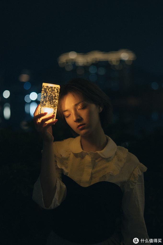 暗夜里的小悲伤,索尼微单Alpha7RIV镜头下情绪片