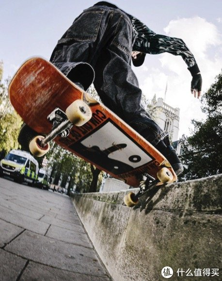 将简约融进街头,个性但不夸张的滑板品牌——Polar Skate Co.