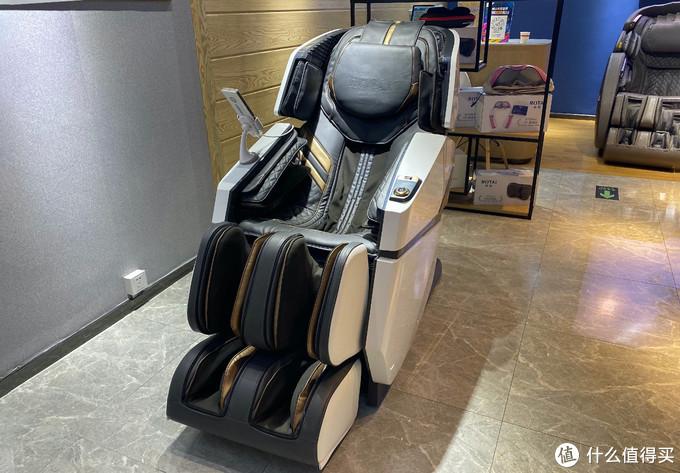 探店体验下荣泰RTS60元气瑜伽按摩椅