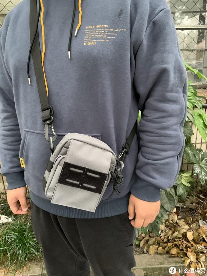 真的很能装,原创测评:战斗候多功能文件包手机附件包腰包