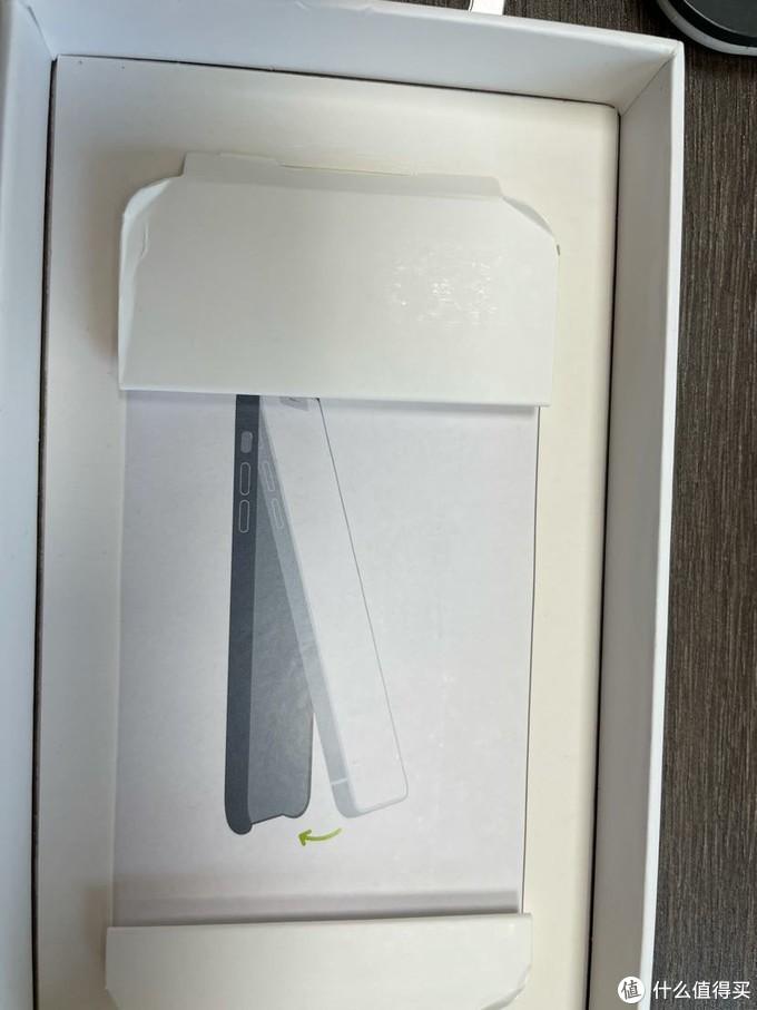 iPhone 12官方皮套对比pitaka半包套