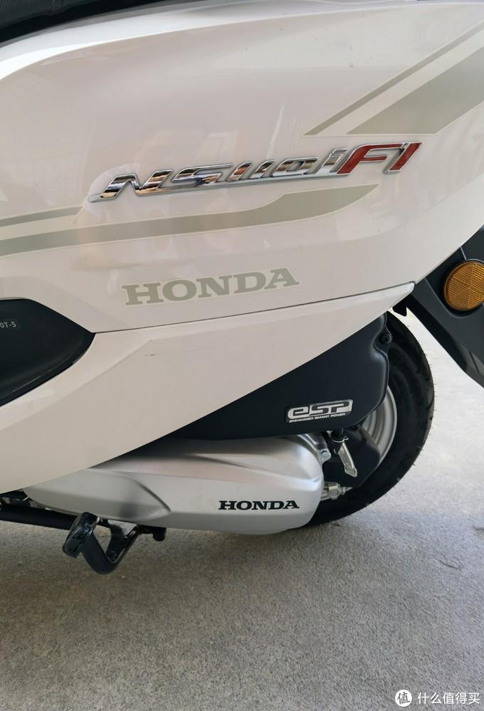 2020版贴花,大大的HONDA标志,车型是立体标志