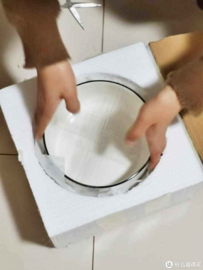 泡沫包装,保证瓷器安全