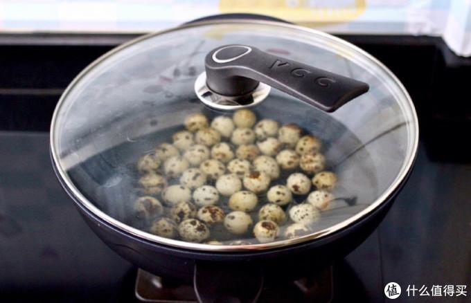 鲜香美味的卤鹌鹑蛋,一滴水不加,汤汁却更浓厚