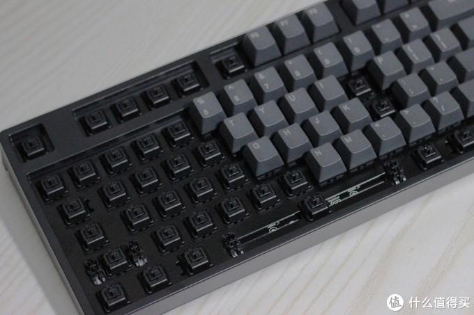 踏实可靠,人体工学加成——雷柏V860机械键盘体验敲打乐趣
