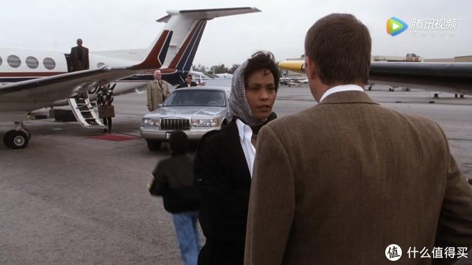 空中国王350就是好莱坞名作《保镖》结尾中惠特尼•休斯顿的座机