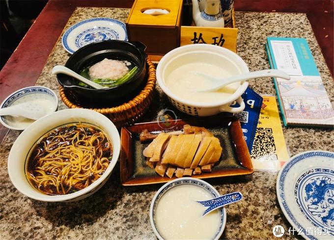 南京美食攻略:5大特色小吃,盐水鸭和鸭血粉丝汤只是基础