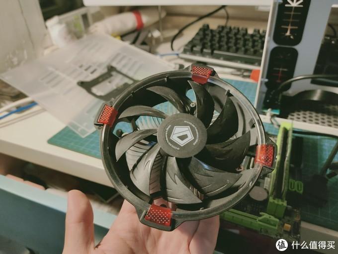 找硅脂的时候发现了一个ID COOLING DS30,机箱支持70mm散热,高配置可以上IS60,我这个配置低,一般的散热器就可以了