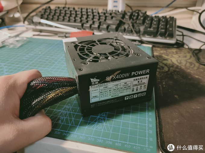 电源采用是收藏的鑫航SFX400w power