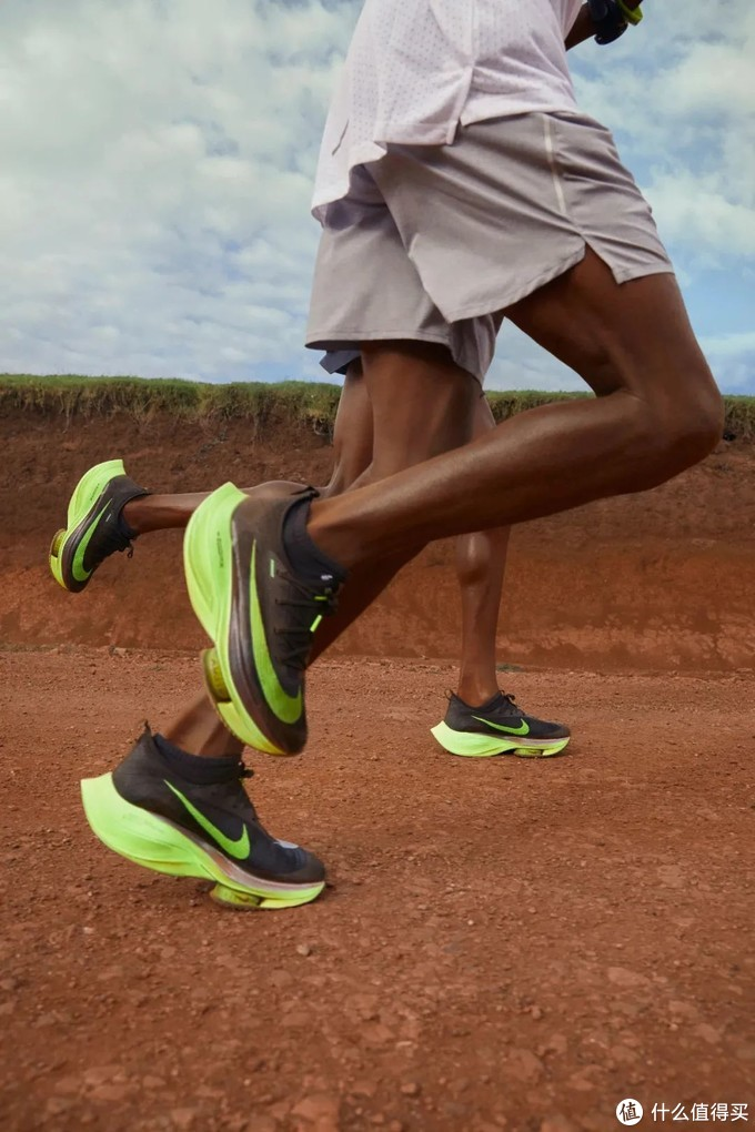 比赛 or 训练?各家碳板跑鞋一篇告诉你该怎么选!