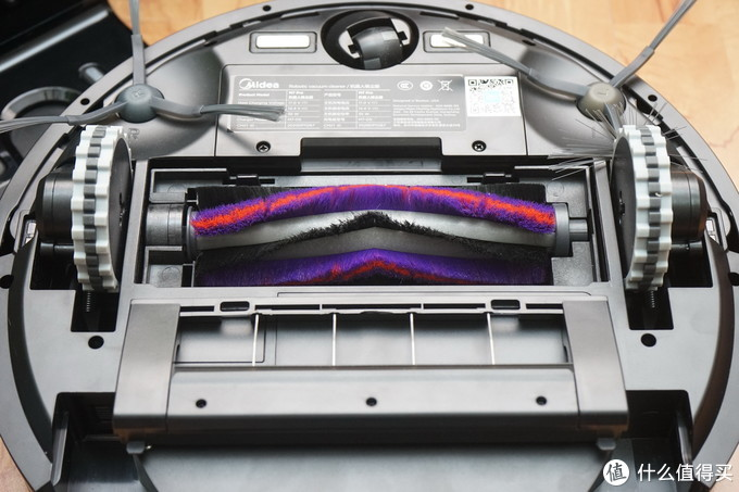 面粉、画笔齐上阵,震动强拖哪家强?美的M7 Pro VS 科沃斯 T8