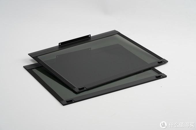 两块钢化玻璃侧板,厚度在3MM左右。