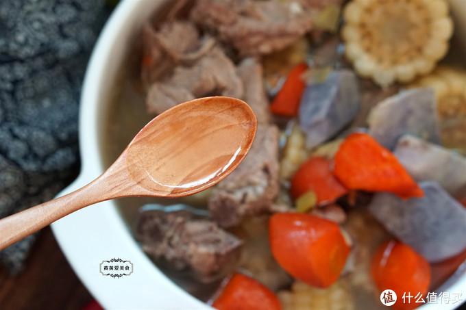 天冷了,闺女就馋这碗汤,4种食材营养足,冬天喝了特舒坦