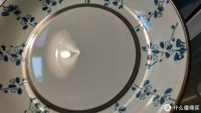 陶器的深盘 ↑