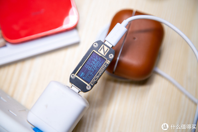 无线充电的另一种形态MagSafe:倍思极简Mini磁吸无线充电器体验