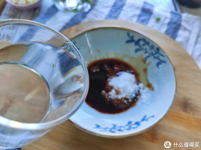 适合懒人的饭菜一盘出,简单零难度,一碗料汁全部搞定,管饱解馋