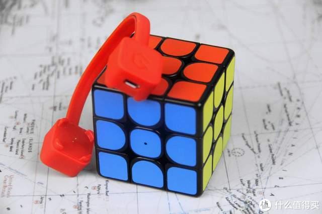 这个智能魔方不简单,不用背公式,0基础小白也能复原魔方
