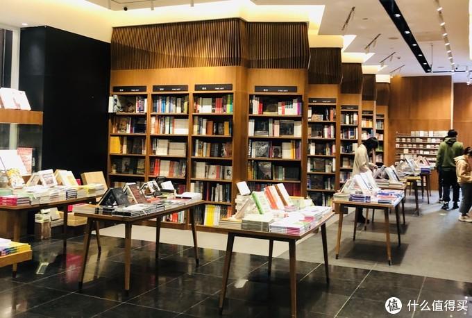 北京三里屯太古里,年轻人最爱,时尚与潮流的风向标