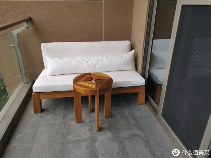 阳台上的沙发