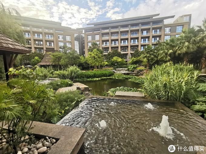 酒店的庭院