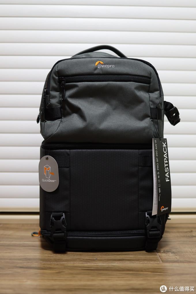 周末旅行多面手:乐摄宝风行三代250双肩相机包专业版评测