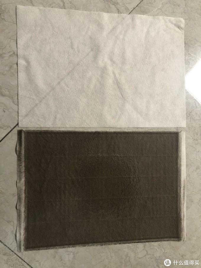 这个是我家智米新风机装的静电棉,两周吸附的灰尘,坐标天津,上半部分是新的静电棉的对比