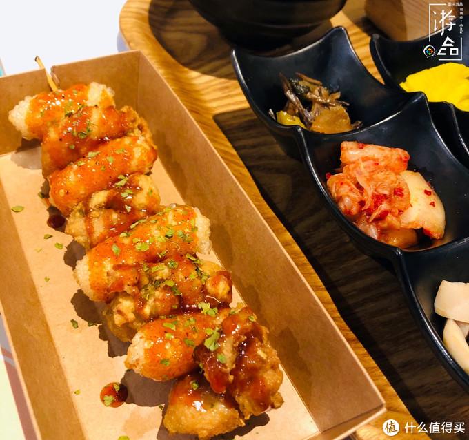 比肉还好吃的年糕串串,来福士广场里的平民美食,人均30元吃到撑