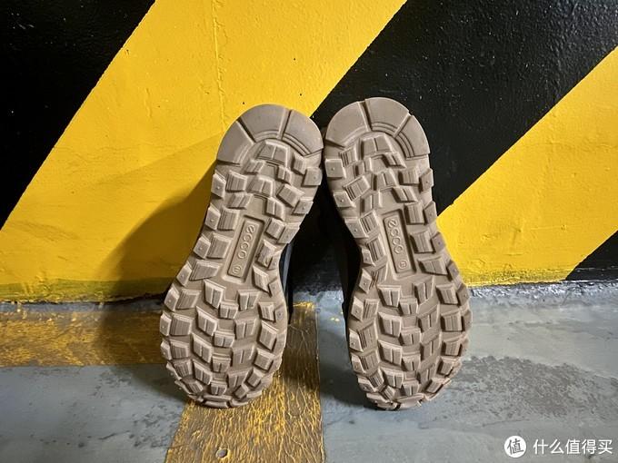 一起爬山吗?ecco exostrikehydromax爱步突破户外徒步登山鞋对比大黄靴