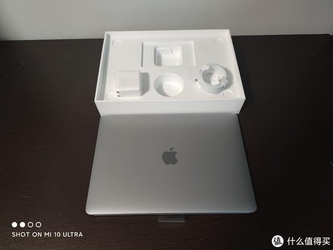 M1 Mac Air开箱测试,单纯的就是玩玩魔兽世界看性能感觉一般
