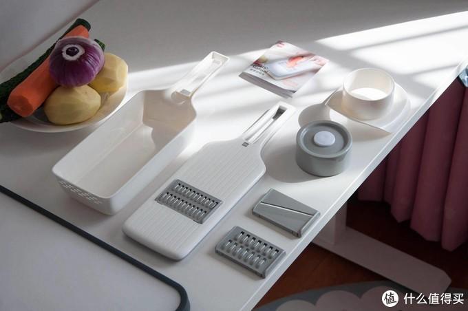 有品餐厨好物,火候多功能刨丝器+不锈钢PP双面砧板,了解下?