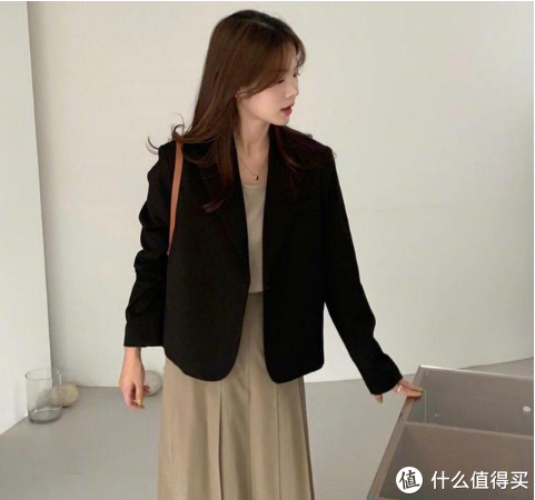 超有范的秋装搭配,韩国时尚博主清新时尚的穿搭,显嫩又有气质