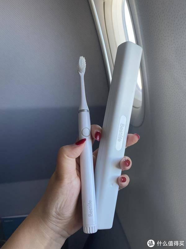 轻便小巧的电动牙刷,带上Bestlife百灵电动牙刷小时代系列一起去旅行
