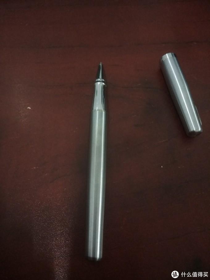 能冒充钢笔的宝珠笔