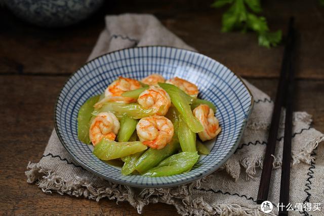 家常快手菜首选,清淡中透着鲜美,隔两天就炒一盘,要不馋得慌