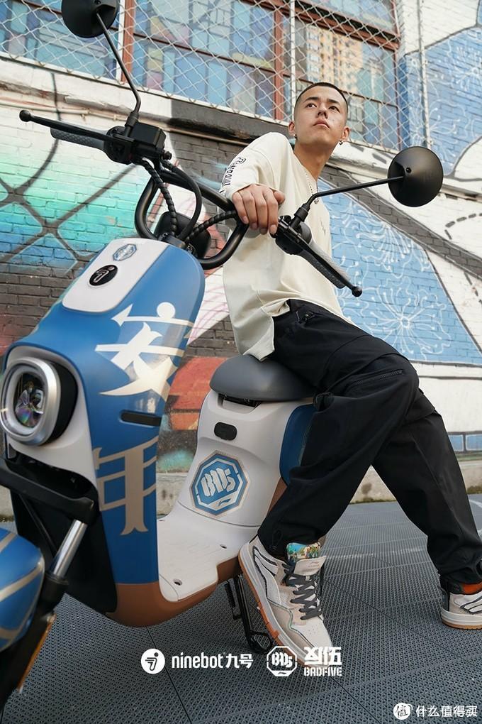 一个像宝马,一个更Mini?九号电动B系C系实车对比骑行体验