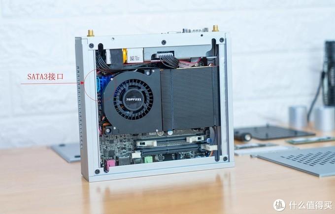 天生软路由的好料!最小最强的AMD 1L准系统,3400GE、双全千兆都有!