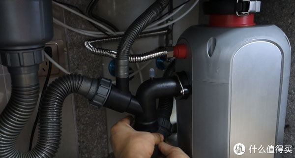 连接排水管
