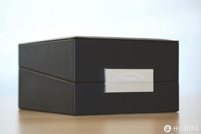 朴实无华的皮表盒