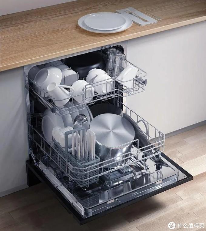 小体积大容量,还能当消毒柜,解决关键痛点才是最适合都市白领的洗碗机