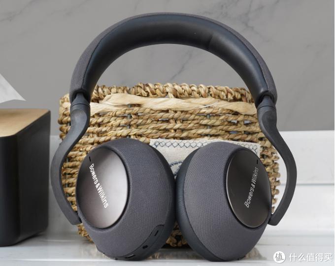 30小时续航,96kHz/24Bit的音频传输,来自宝华韦健的蓝牙耳机让您时刻畅享音乐盛宴