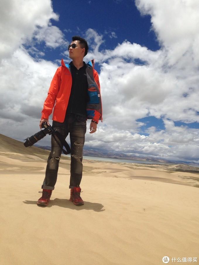 沙漠化地带,没错,里面是鸟,大风状态下,丝毫没有冷意