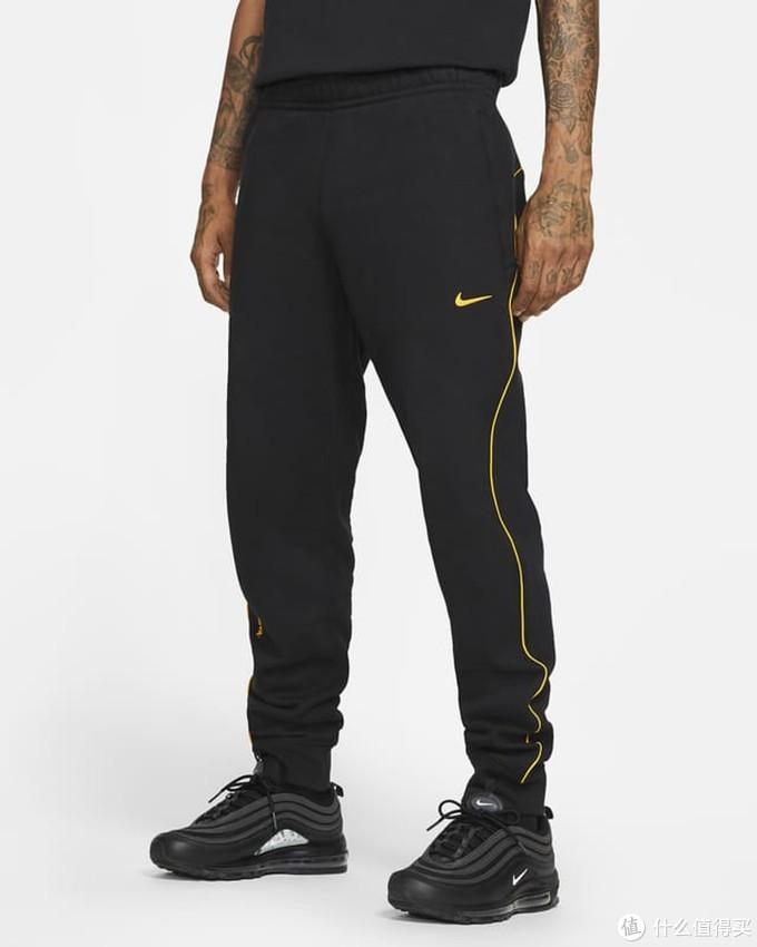 NIKE与Drake推出NOCTA系列服饰