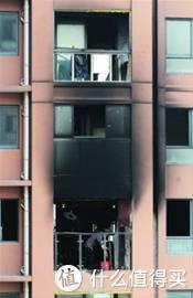 发生轰燃后的居民楼