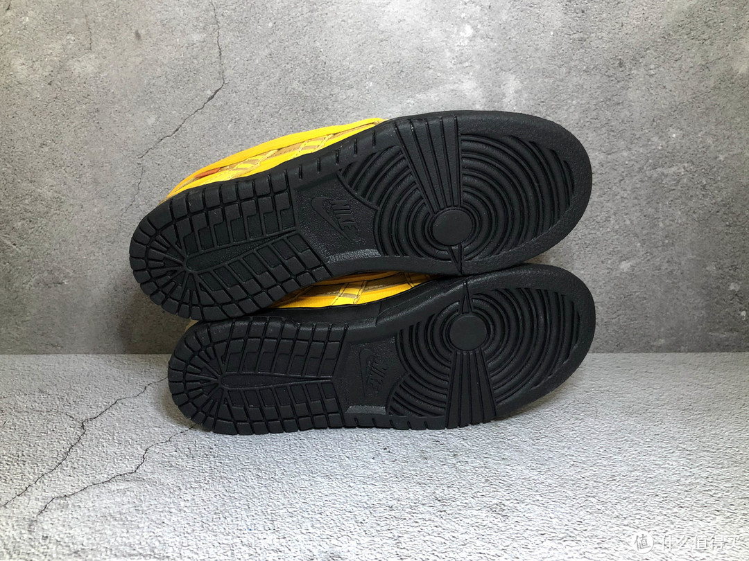 晒晒上个月的专属 Nike Rubber Dunk 童鞋,许愿周年庆