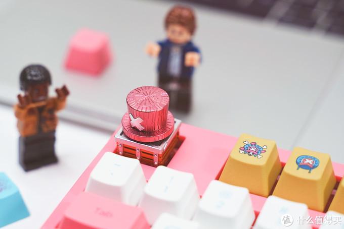 犯规了啊!键盘怎么可以这么萌:AKKO 航海王乔巴 108 V2键盘