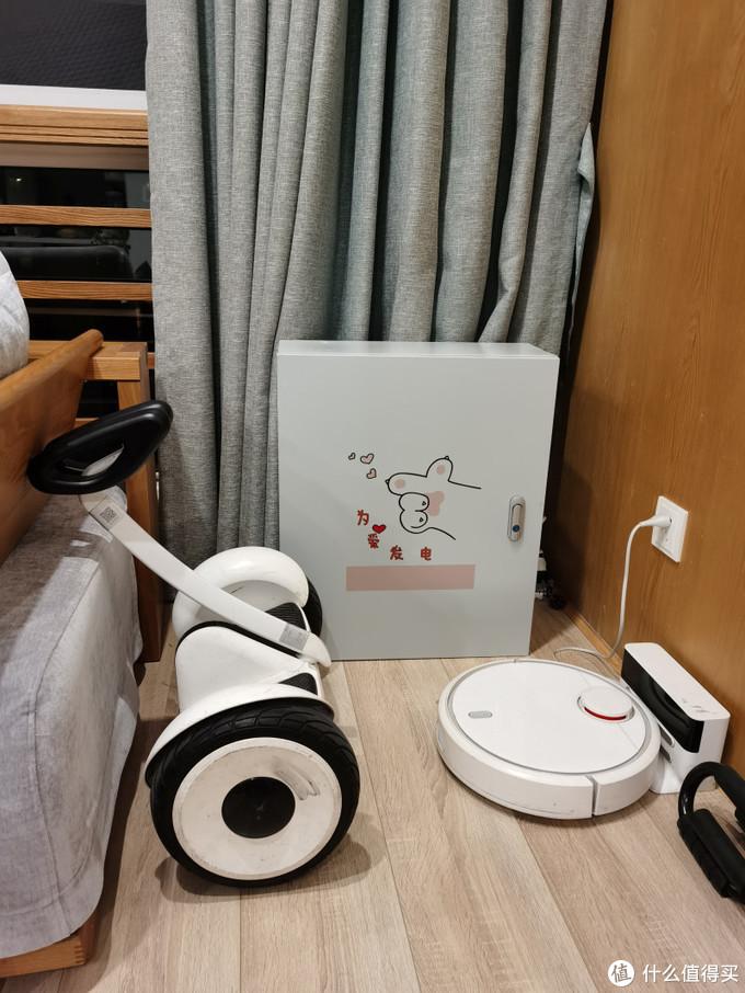 箱子是自己买的,车友推荐某宝购买,图案是老婆画了发给商家喷的。