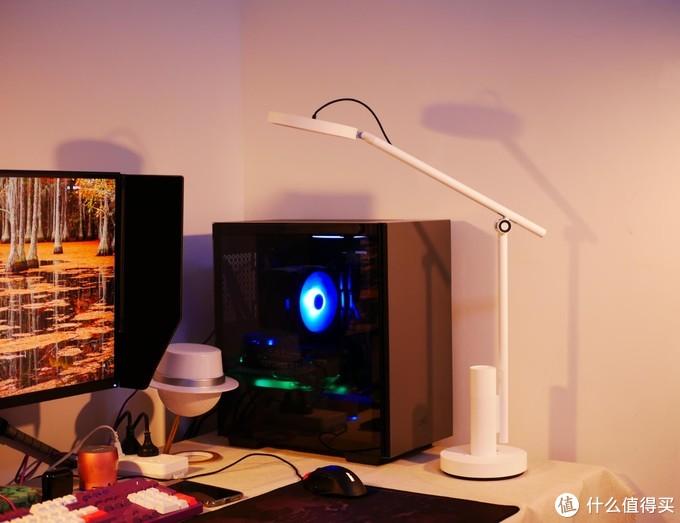创意满满的智慧台灯——小白智能看护灯